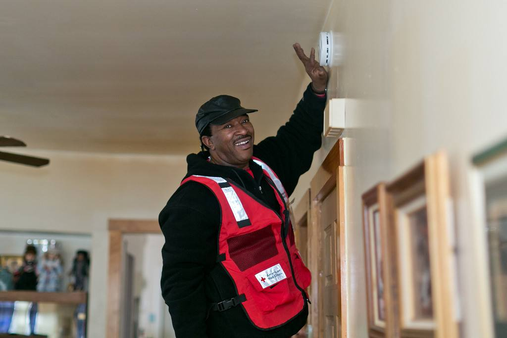 Helping Illinois residents prepare and protect against home fires with Chicago Red Cross